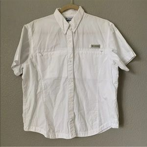 Columbia Large White Mesh Lined Vented shirt